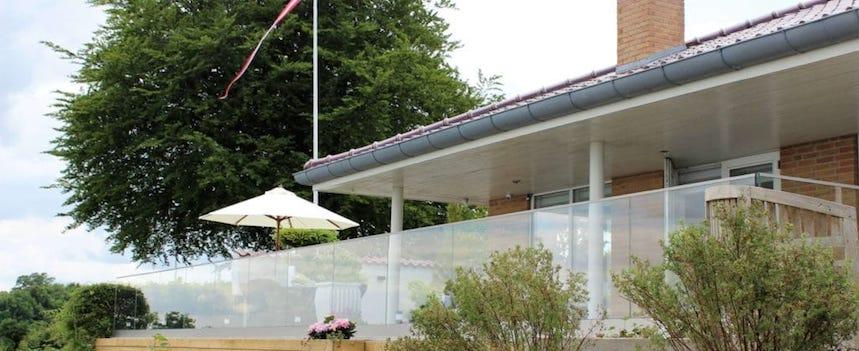bolig med terrasse