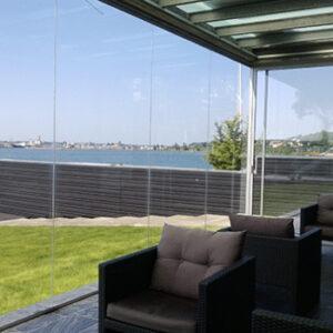 Terrasseinddaekning-med-faste-glasvægge-lumon-alument3